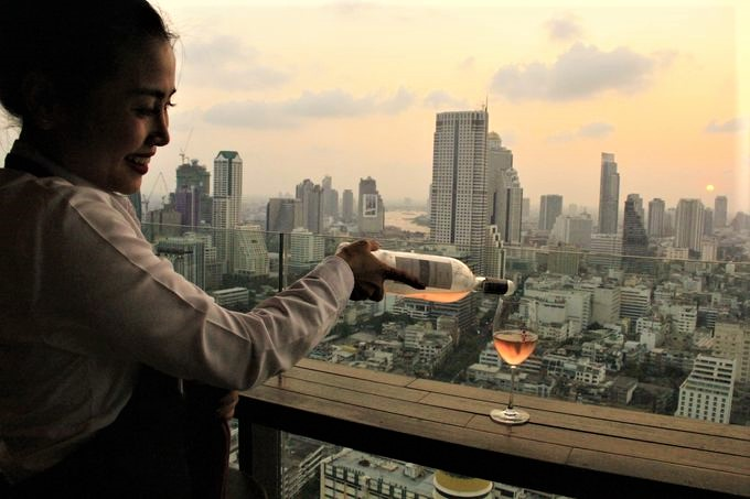 「Scarlett Wine Bar」(スカーレット ワイン バー)
