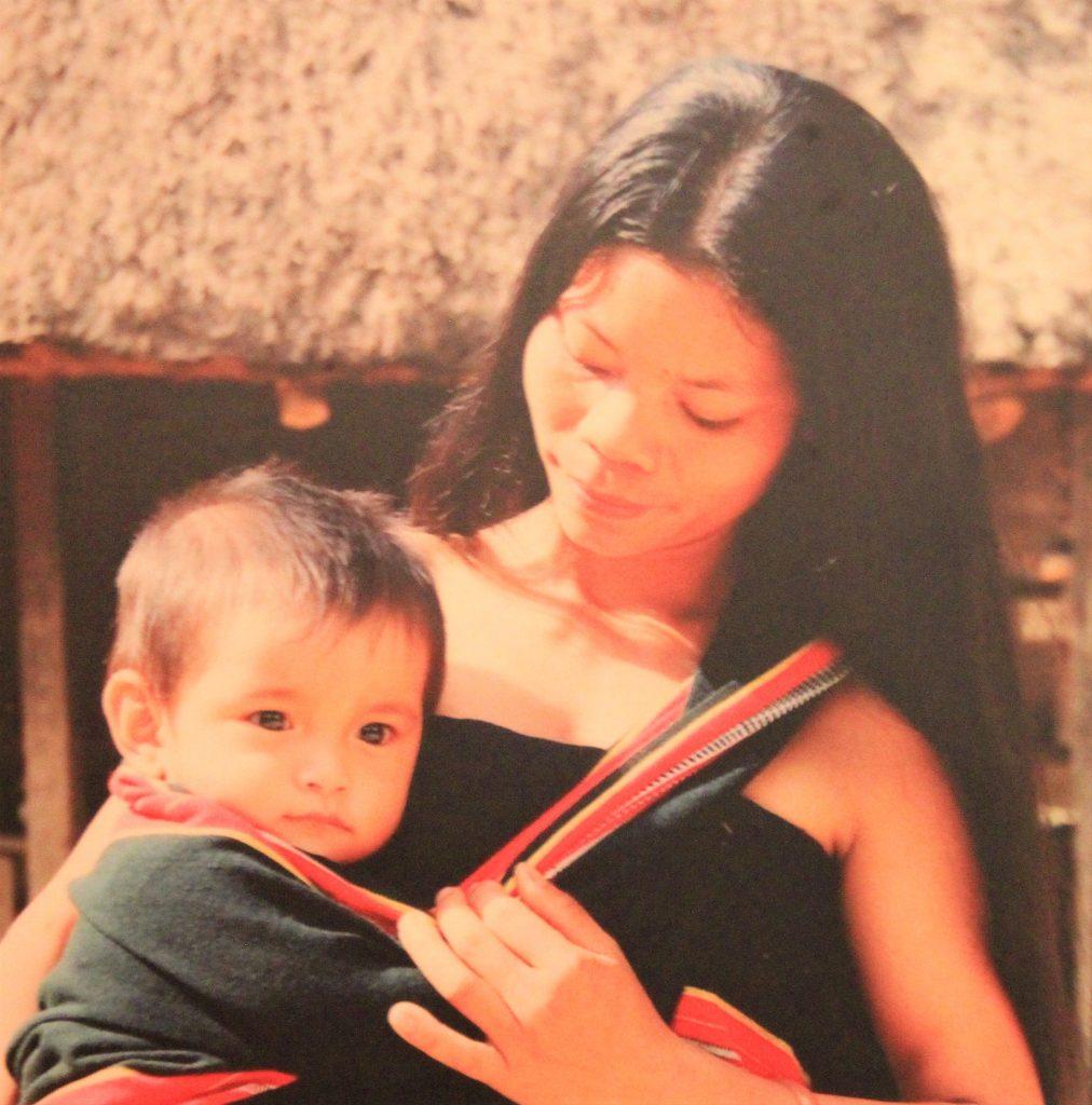 母 愛 女性