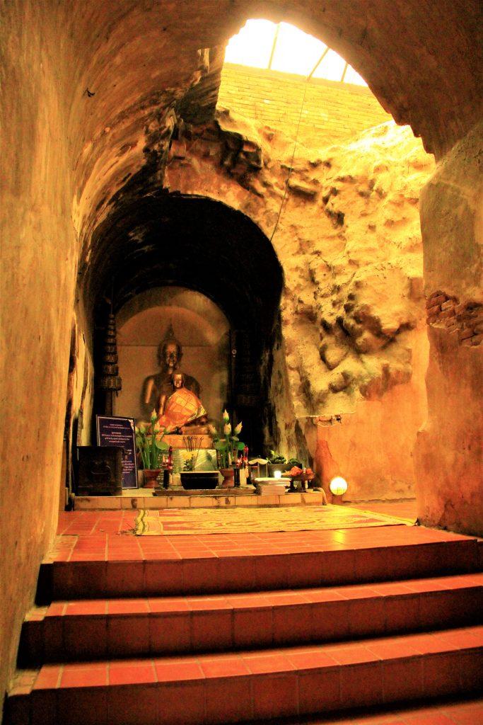 タイ 観光 旅行 バンコク三大寺院 タイ寺院 ワット・プラケオ(Wat Phrakeaw) ワット・ポー(Wat Pho) ワット・アルン(Wat Arun)  ワット・ロンクン(Wat Rong Khun)チェンマイ サムイ パタヤ